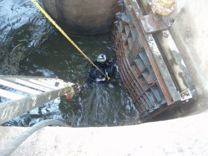 commercial diving for small spaces